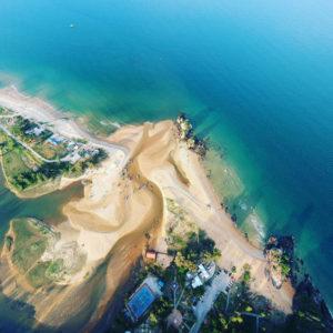 aerial-shot-aerial-view-beach-bird-s-eye-view-587015.jpg
